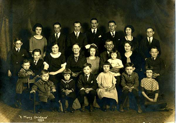 Boyer Grandchildren Christmas 1923